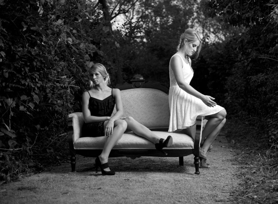 Kerri & Lea 2 BW